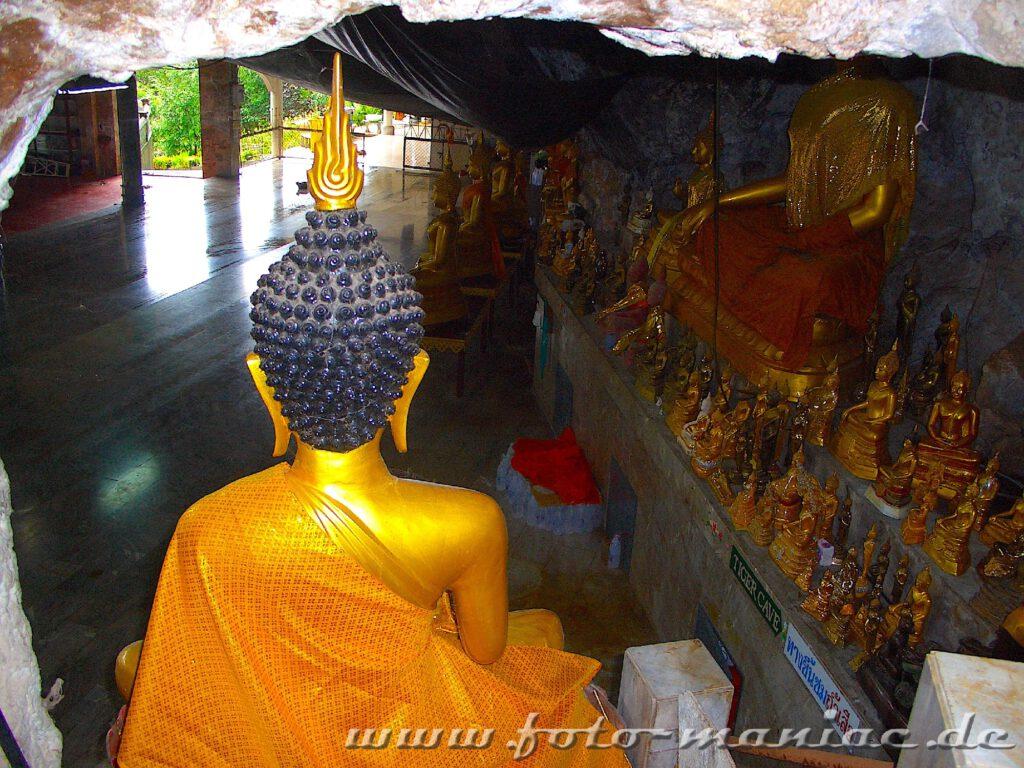 Unzählige Buddhafiguren in der Tigerhöhle