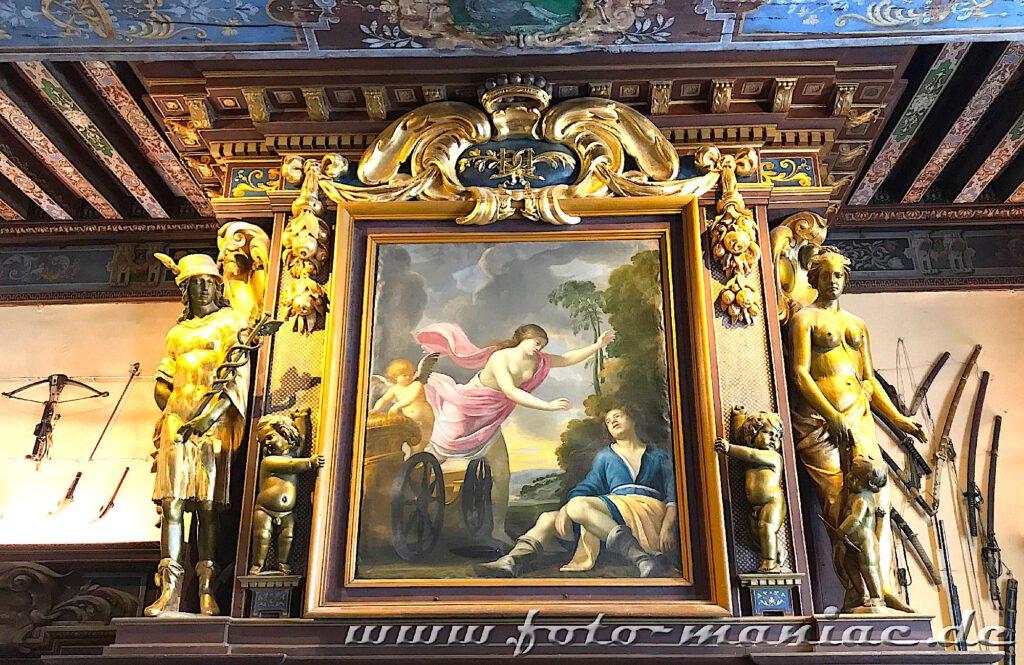Das reizvolle Chateau Cheverny mit aufwändigen Dekorationen