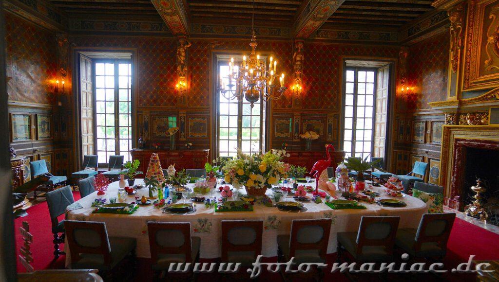 Das reizvolle Chateau Cheverny mit seinem Speisezimmer