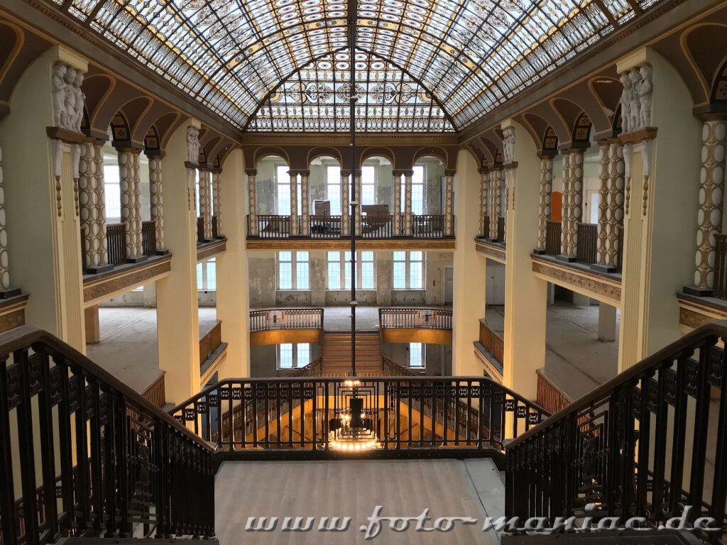 Prächtiges Treppenhaus im leer stehenden Kaufhaus in Görlitz