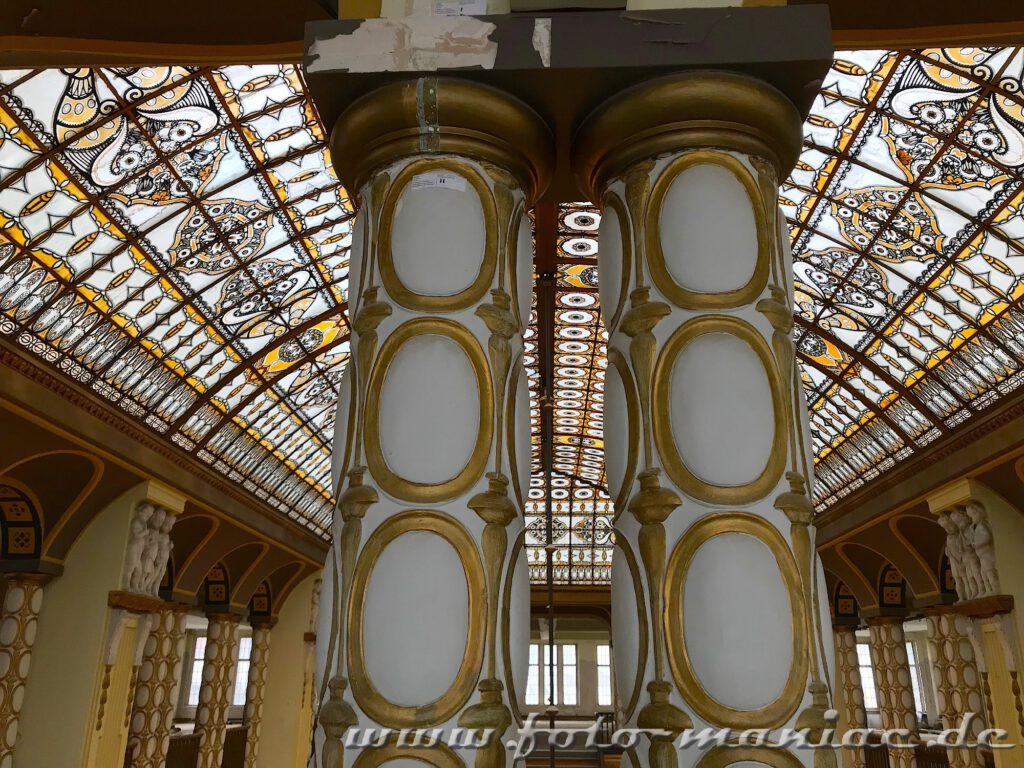 Stöcker-Kaufhaus in Görlitz - Säulen und prächtiges Dach